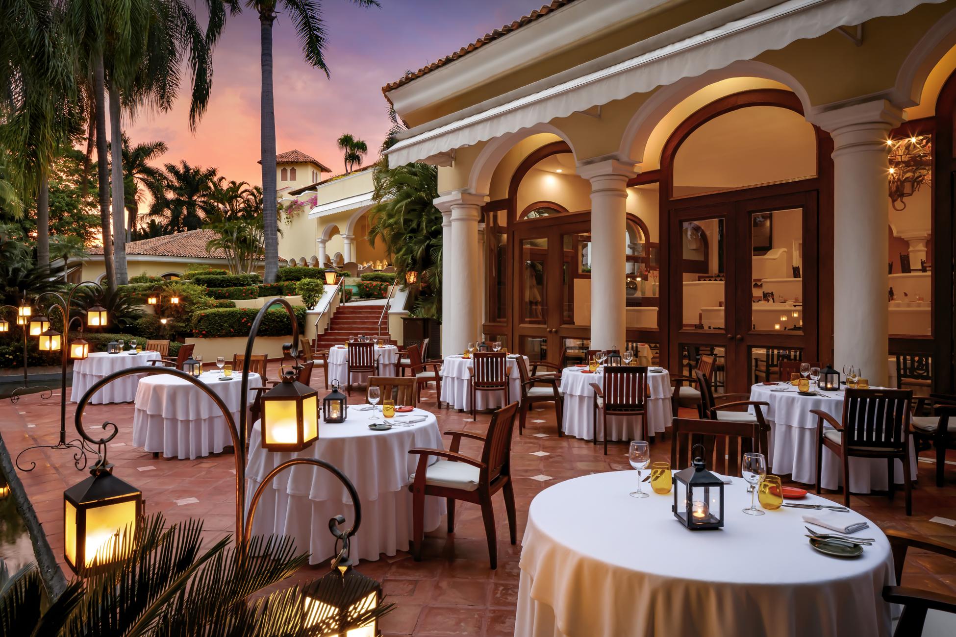Casa Velas Emiliano Restaurant